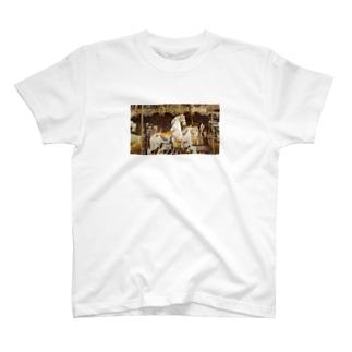 名馬 T-shirts