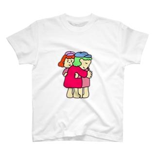 ハグ T-shirts
