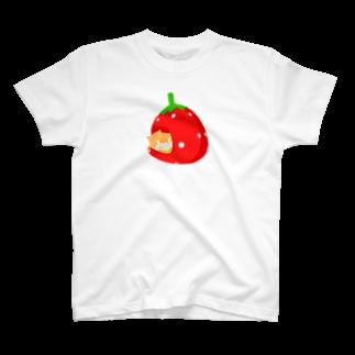 チョモランマリのイチゴハウスのネコ T-shirts