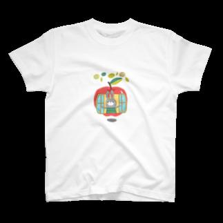 kokochino shopのりんごのおうちのうさぎちゃん T-shirts