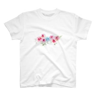 赤薔薇に守られる青薔薇。 T-shirts