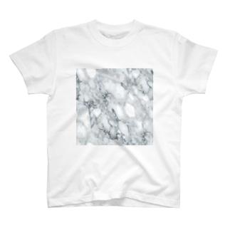 金持ちの家の石床。 T-shirts