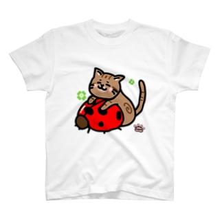 てんとう虫と猫 T-shirts