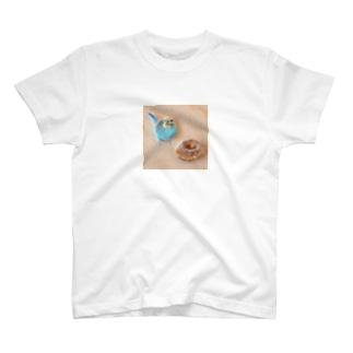 羊毛フェルトのふわふわインコとドーナツ T-shirts