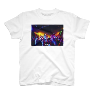 LIVE PHOTO (PAINT) - B T-shirts