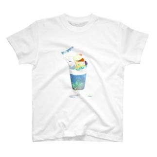 シロクマの星空パフェ T-shirts