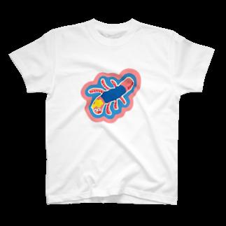 Young Kimのミミズ  T-shirts