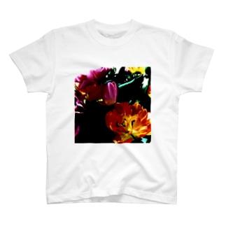 官能の授業:チューリップ T-shirts