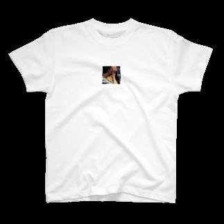 De Farias(まてうす)のKiss T-shirts