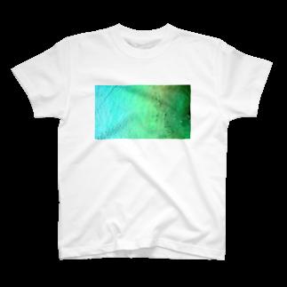 古春一生(Koharu Issey)のメロンソーダの海。(青緑) T-shirts