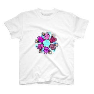グロテスクうさぎ T-shirts