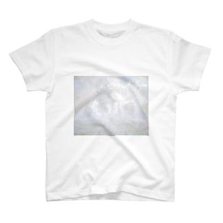 儚いまどろみの中で T-shirts