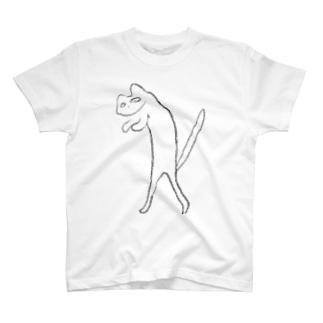 二足歩行の猫 T-shirts