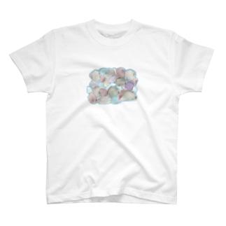 足の下の石ころ T-shirts
