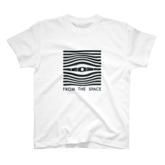 宇宙の目 T-shirts