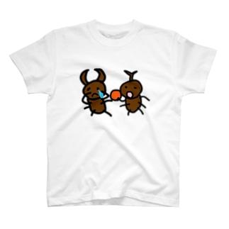 クワガタには申し訳ないと思っている T-shirts