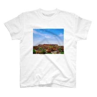 城壁のある街 T-shirts