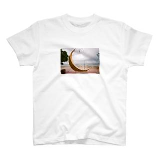 マイクスタンドのマイキー 月 T-Shirt