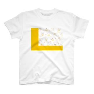 スプリングイエロー T-shirts