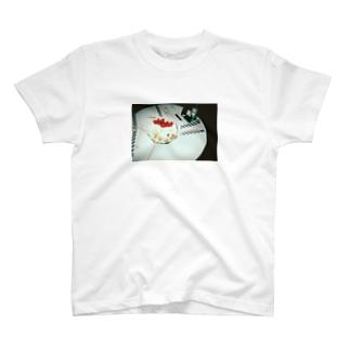 Happy Birthday~ハイネケンを添えて~ T-shirts