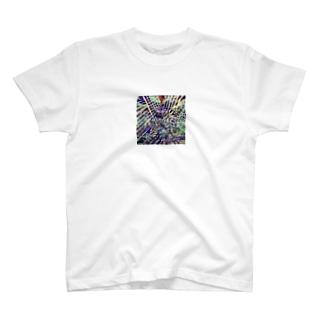 なんかバーン T-shirts