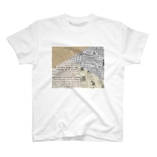 古い外国語のスクラップ。 A T-shirts