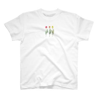 mackyの色つきチューリップだけ T-shirts