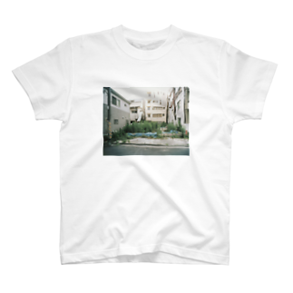 kirakirapinkingの誰かの空き地 T-shirts