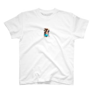 男性ラブドールが来ます! T-shirts