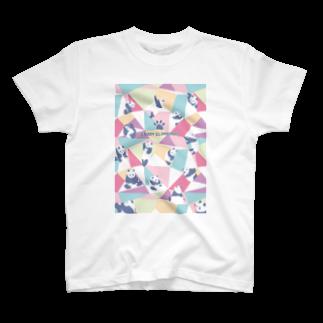 TakaJumpのPanda Climbing T-shirts