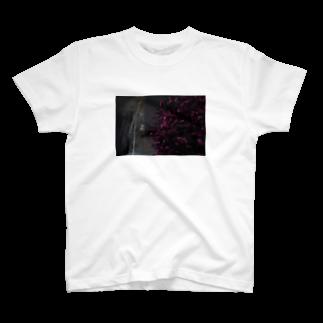 ユーリの中崎町の路地 T-shirts