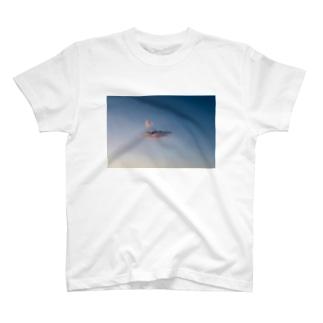 朝の空 T-shirts