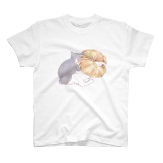 お昼寝クロワッサン T-shirts