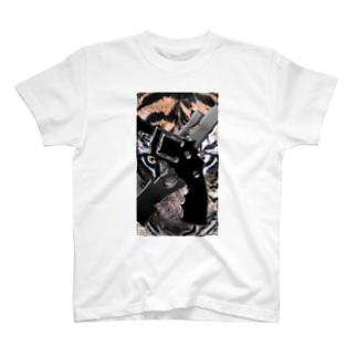 虎トラ T-shirts