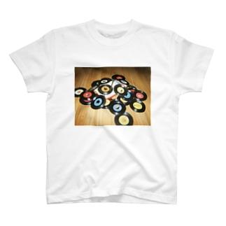 ポータブルレコードプレーヤー T-shirts
