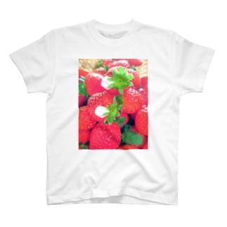 花びらいちごA T-shirts