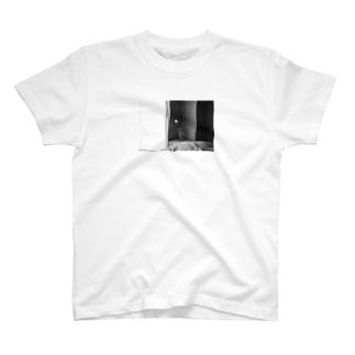 アマノジャクのモノクロチューリップ T-shirts