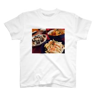 夕食 T-shirts