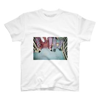 harucamera かわいいあしもと T-shirts