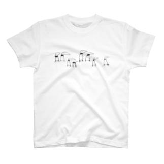 アゴヒモペンギンの行列 T-shirts