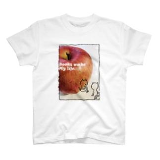 読書猫とりんご T-shirts
