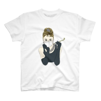 マスク姿のオードリー・ヘップバーン T-shirts