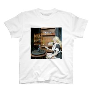 詩:猫の夢 T-shirts