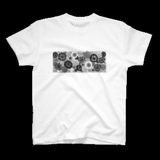 EmuyuのFlower_bnw T-shirts