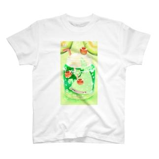 メロンソーダじんべえざめの小瓶 T-shirts
