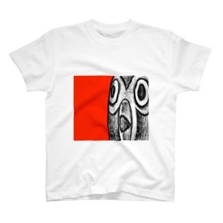 シングペンギンの顔アップ T-shirts