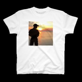 Hagの朝日のセットポジション T-shirts