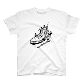 LUCHAの靴屋 T-shirts