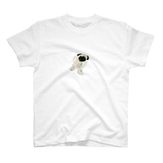 リアルなパグ T-shirts