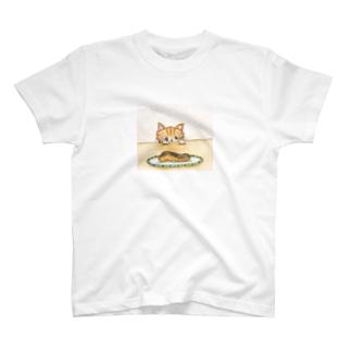 ねこと鮭 T-shirts